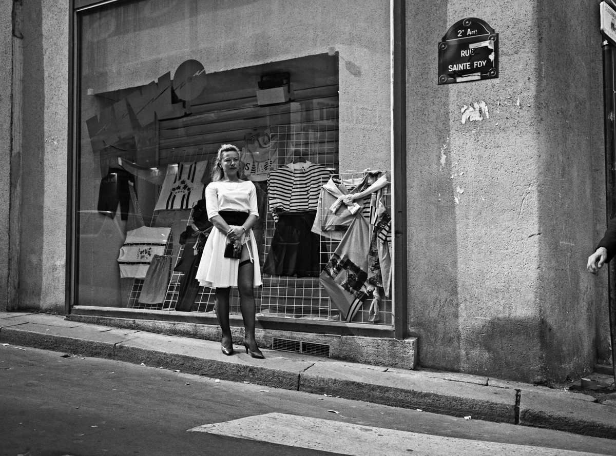 ulitsa-Sen-Deni-Fotograf-Massimo-Sormonta_48