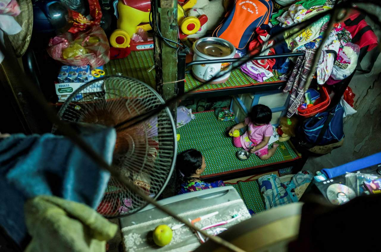 1528115923_inside_vietnams_micro_houses_002474_005