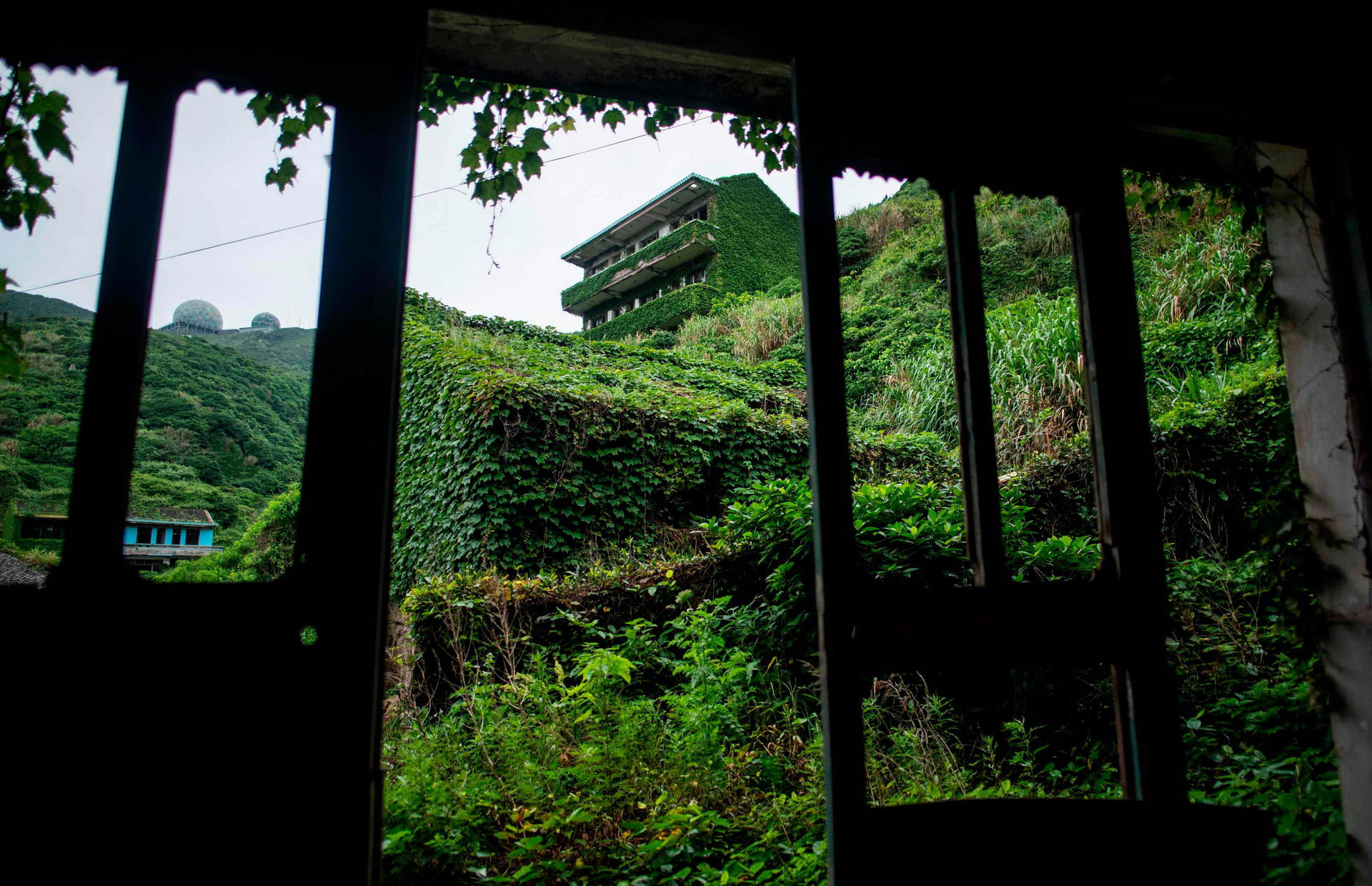 1528462198_china_abandoned_ghost_village_002500_004