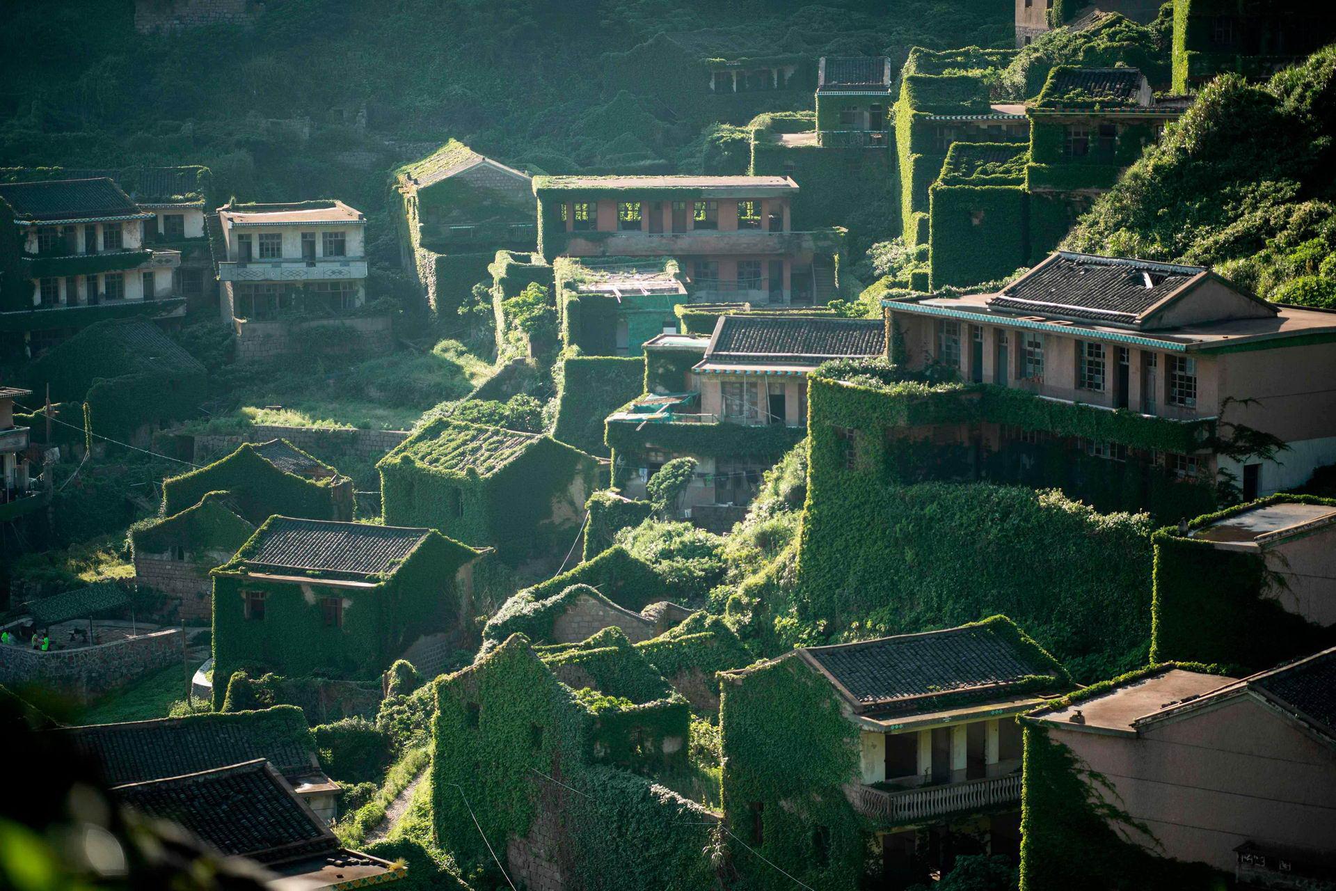 «Призрачная деревня» в Китае: фотографии заброшенного городка