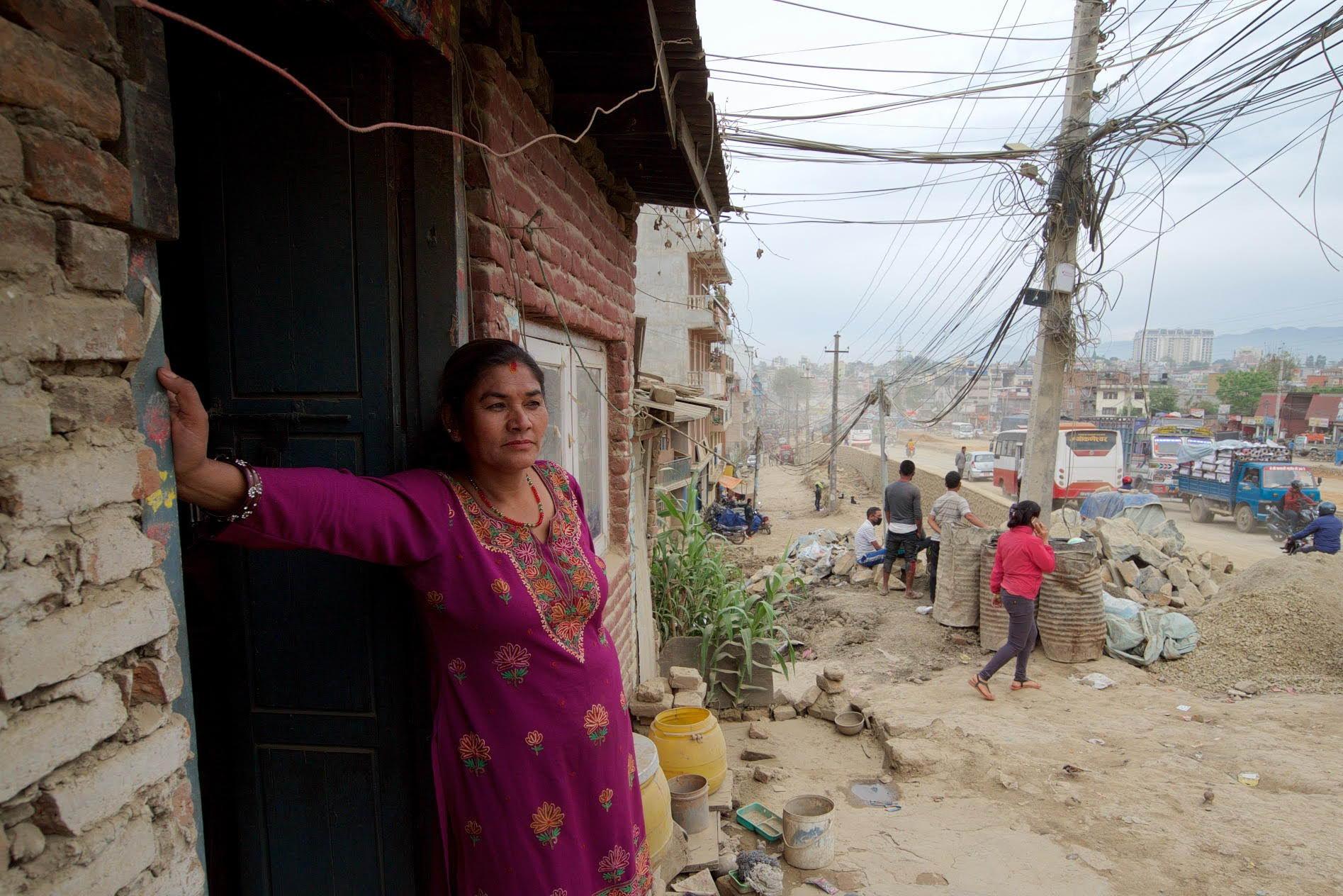 1529671782_kathmandu_commuter_hell_002582_006