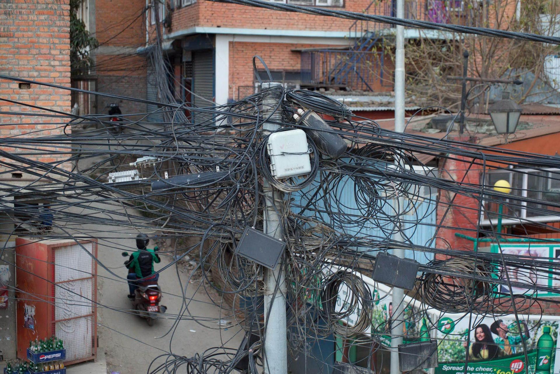 1529671829_kathmandu_commuter_hell_002582_011