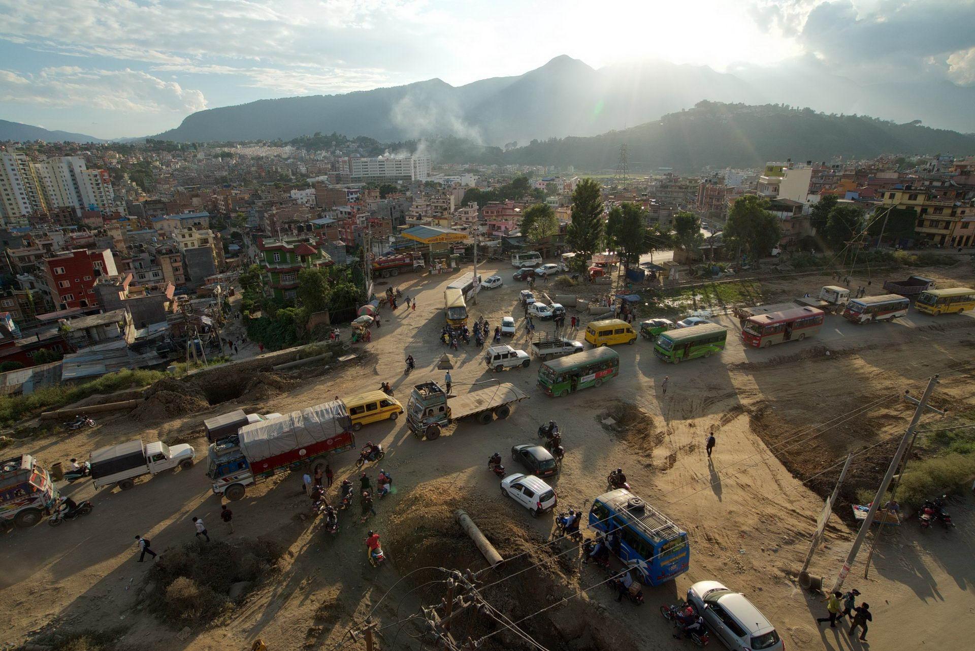 1529671866_kathmandu_commuter_hell_002582_004