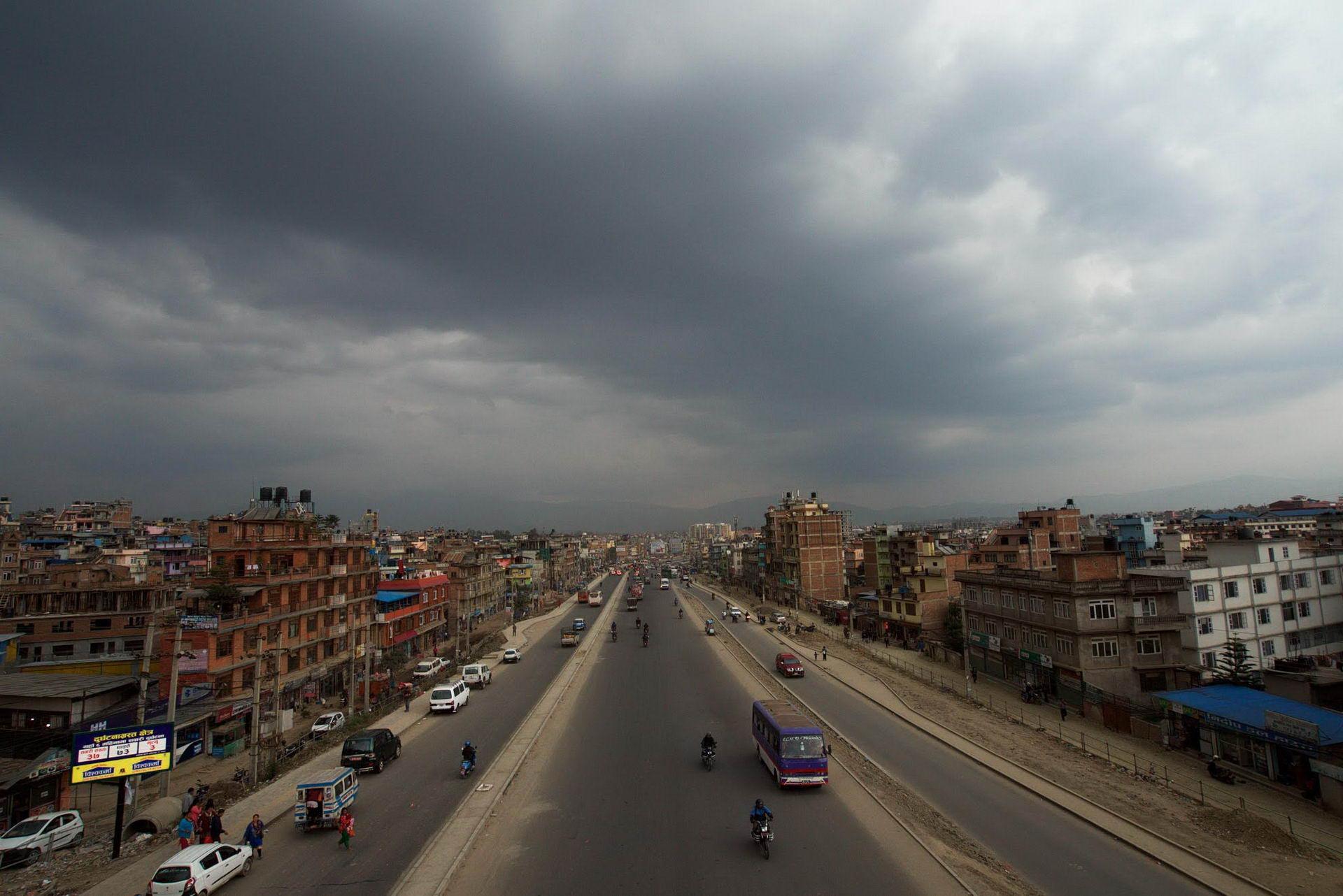 1529671872_kathmandu_commuter_hell_002582_012