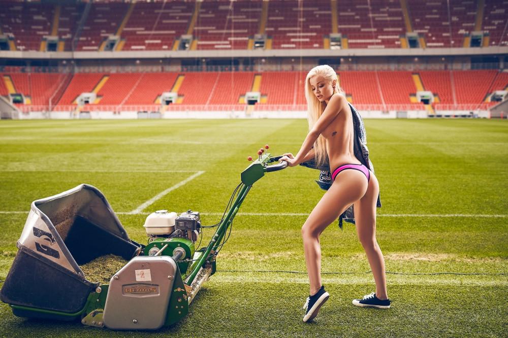 futbolnaya-komanda-Playboy_17