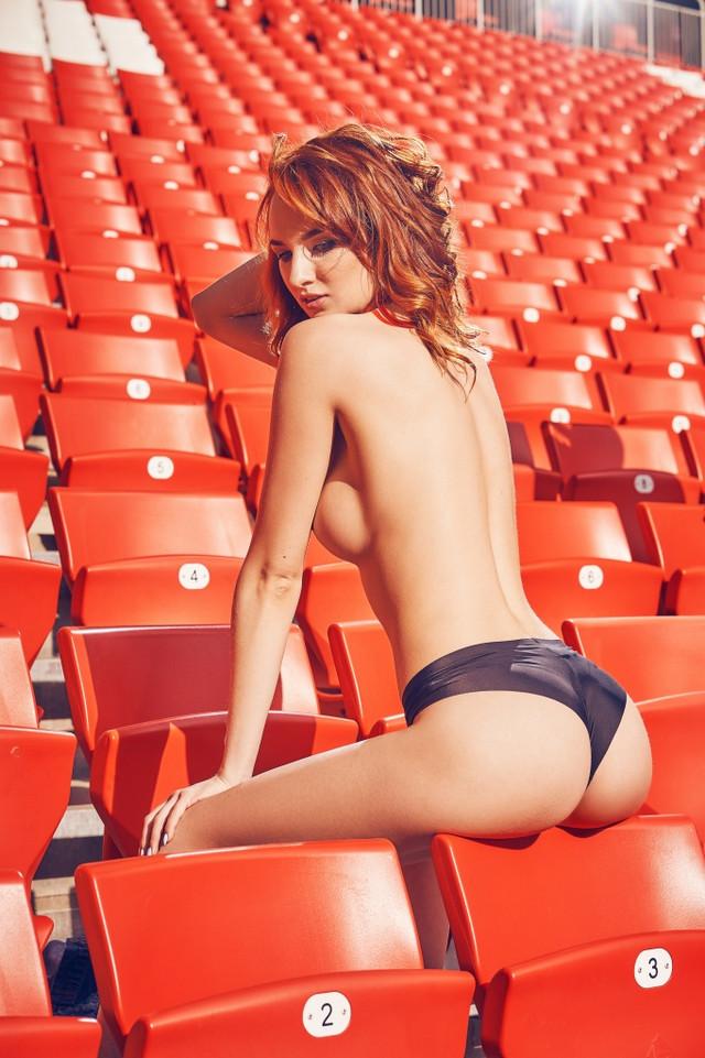futbolnaya-komanda-Playboy_18