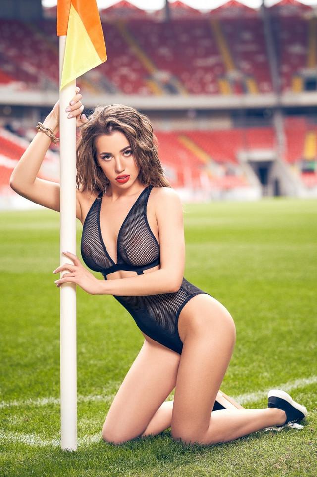 futbolnaya-komanda-Playboy_22