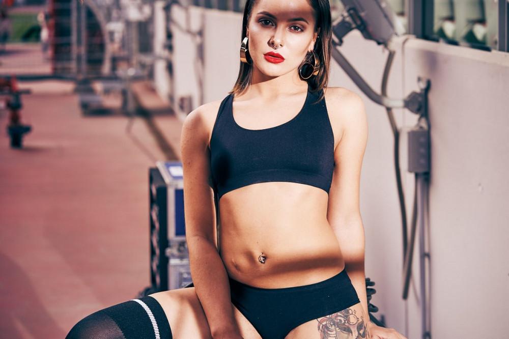 futbolnaya-komanda-Playboy_28