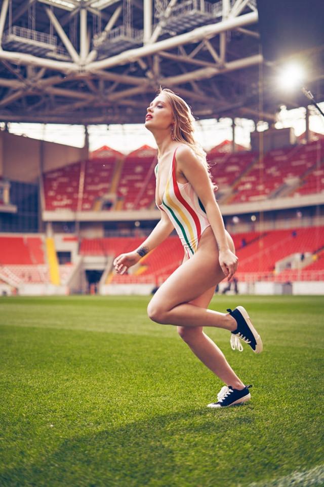 futbolnaya-komanda-Playboy_29