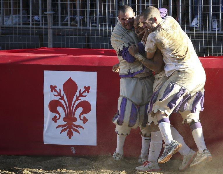 Футбол во Флоренции: кальчо – игра без правил