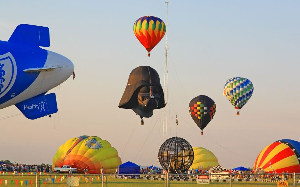 The-New-Jersey-Festival-of-Ballooning-in-Readington-©-Gary718-Dreamstime-5875700-e1437576740106