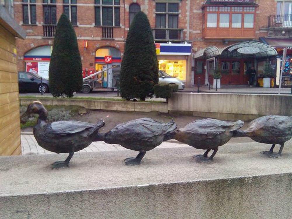 Горе-скульптор: самые странные и смешные статуи