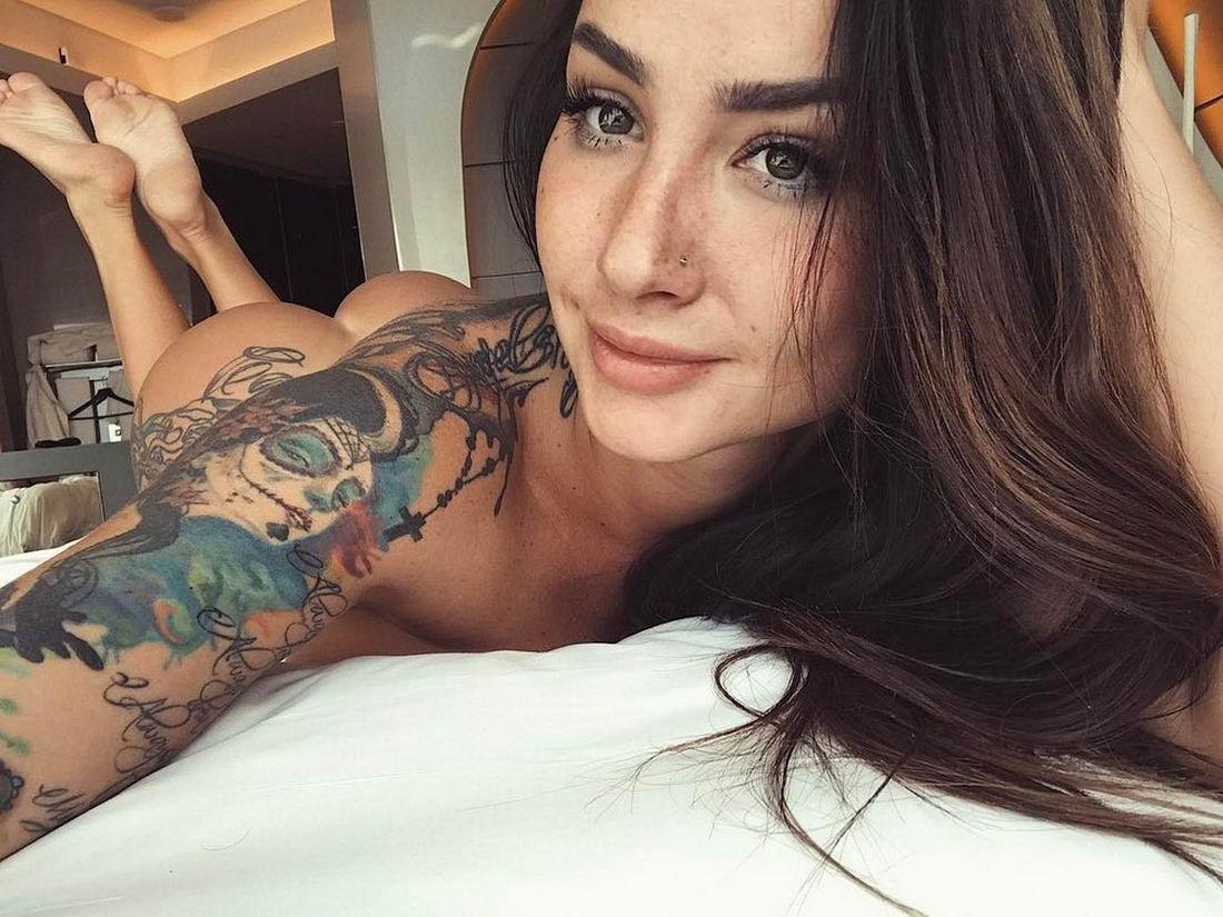 Татуированные красотки: фото