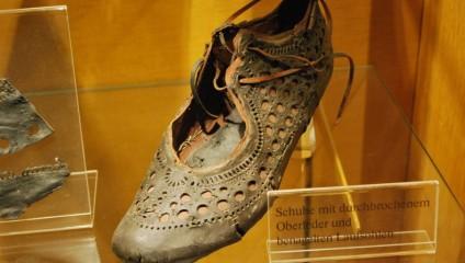 Поразительная находка в Заальбурге: обувь, которую носили 2000 лет назад