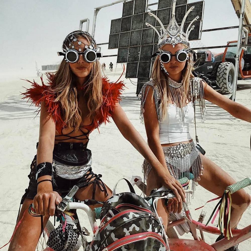 fotografii-festivalya-Burning-Man-2018_18