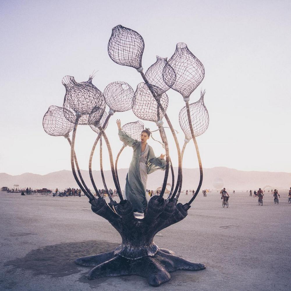 fotografii-festivalya-Burning-Man-2018_19
