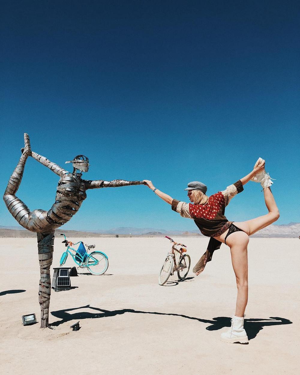 fotografii-festivalya-Burning-Man-2018_7