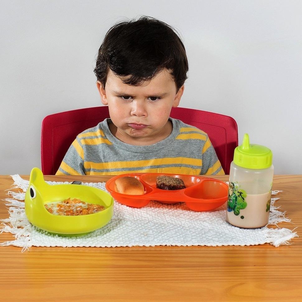 Шоколад или бобы: как завтракают дети в разных странах