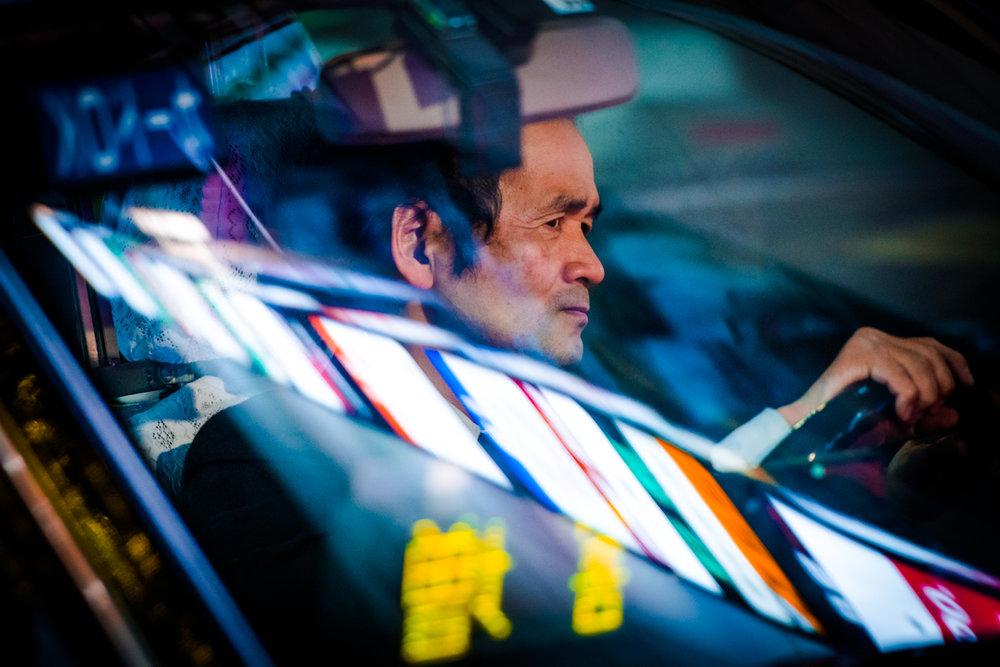 nochnye-taksisty-Tokio-fotograf-Oleg-Tolstoy_11