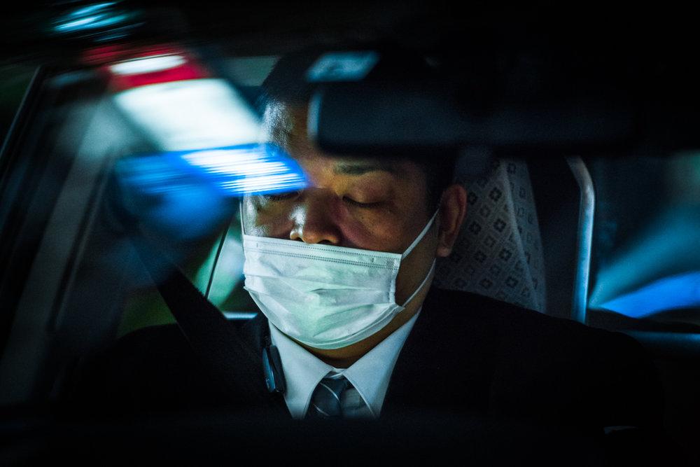 Ночное такси Токио на снимках Олега Толстого