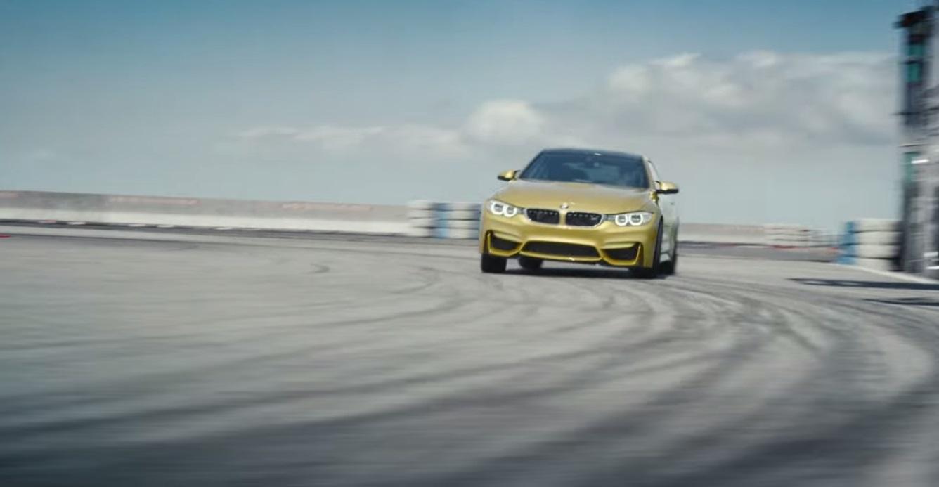 BMW M4 на авианосце: завораживающее видео опасных трюков