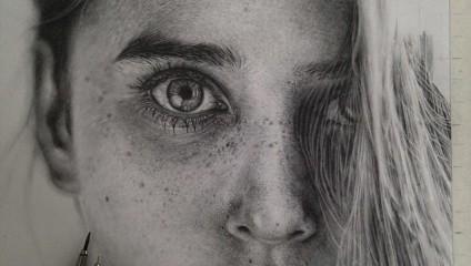 Гиперреалистичные карандашные работы Моники Ли