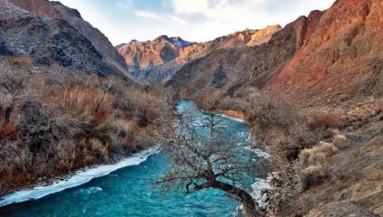 Самые впечатляющие каньоны: удивительные фотографии лучших мест в мире