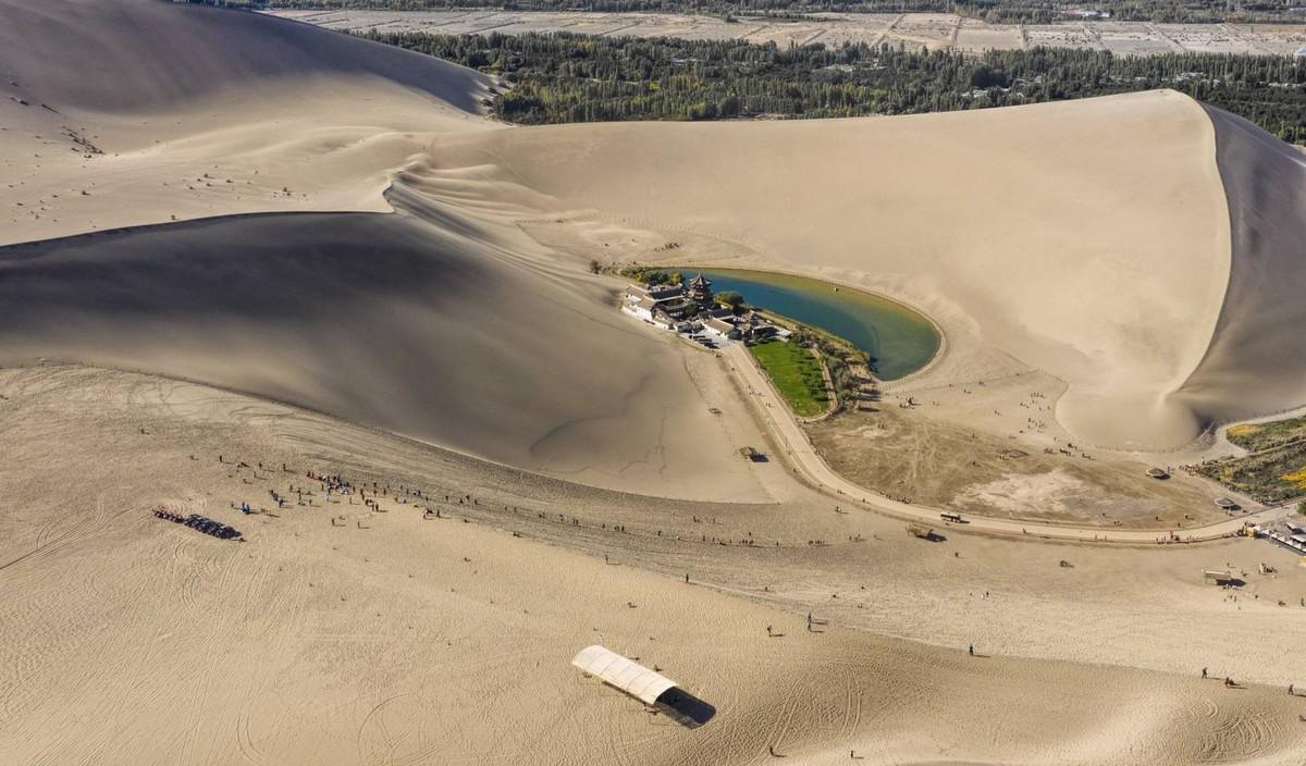 Los primeros encuentros entre Oriente y Occidente en el desierto de China