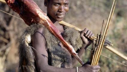 Исчезает одно из последних племен охотников-собирателей
