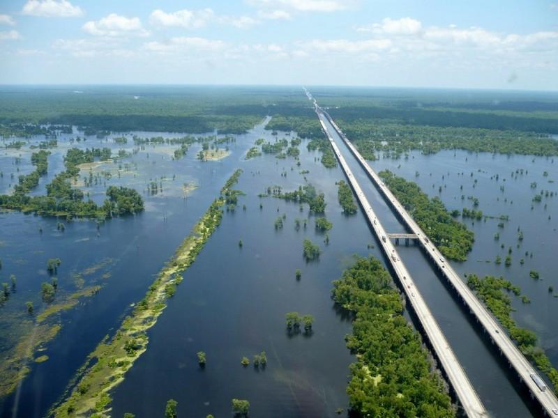 Виадук через болото Манчак (США) — 37 км