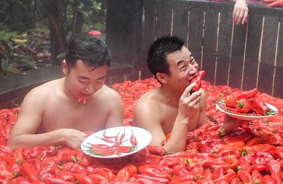 20_летняя китаянка победила в конкурсе по поеданию жгучего перца (4)