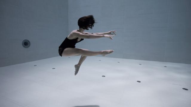 «Ама»_ подводная хореография в самом глубоком бассейне мира