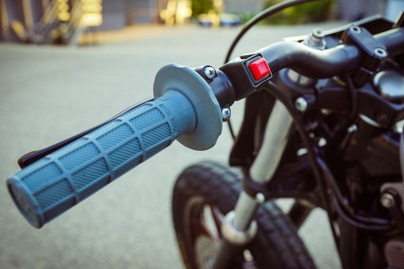 Gunn Design_ трекер Harley_Davidson Sportster Super Hooligan_14 фото _ 1 видео_ (10)