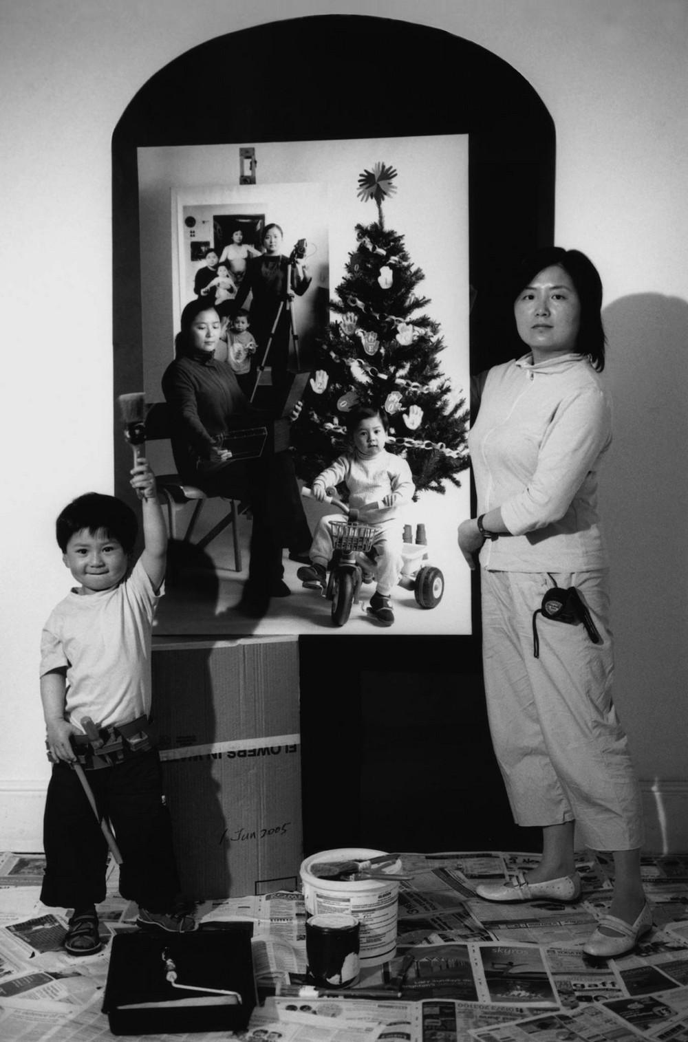 Мама 17 лет делает автопортреты с сыном и каждый последующий снимок на фоне предыдущего 5