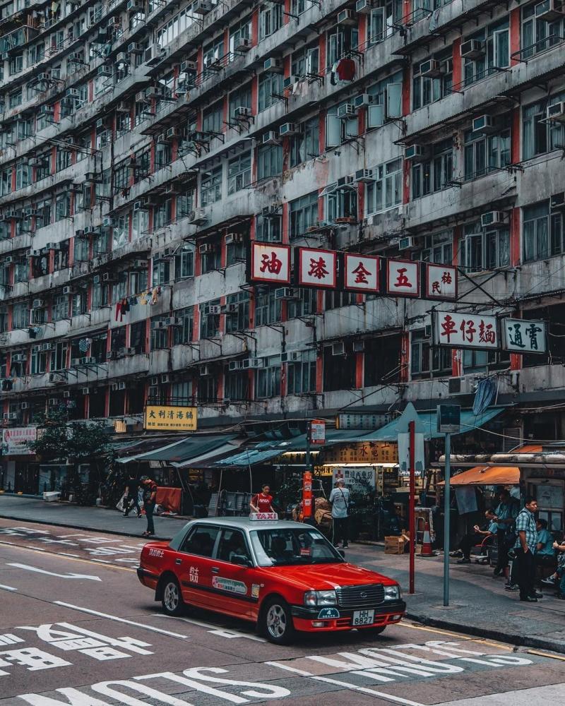 Яркие уличные фотографии Гонконга Дональда Чана (9)