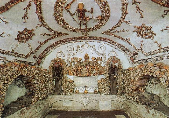capuchin_crypt_6_crypt_of_the_three_skel