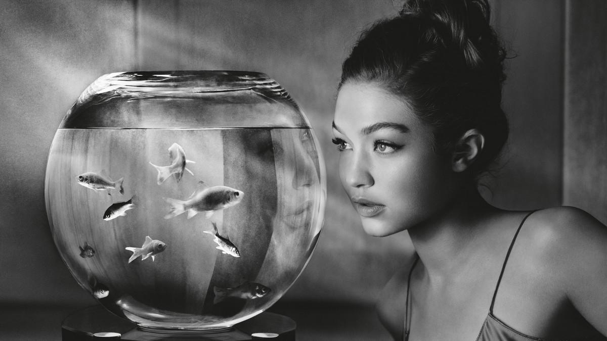 «Мечтающие» – «Календарь Пирелли 2019» с Джиджи Хадид и Мисти Коуплэнд 2