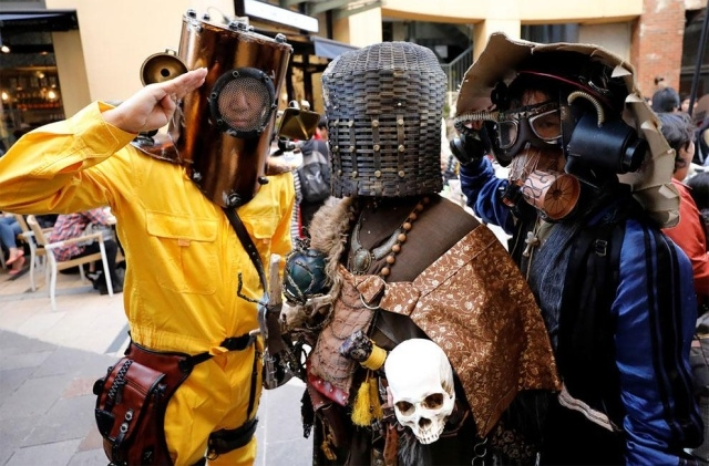 Парад в честь Хэллоуина в Японии (17 фото) (3)