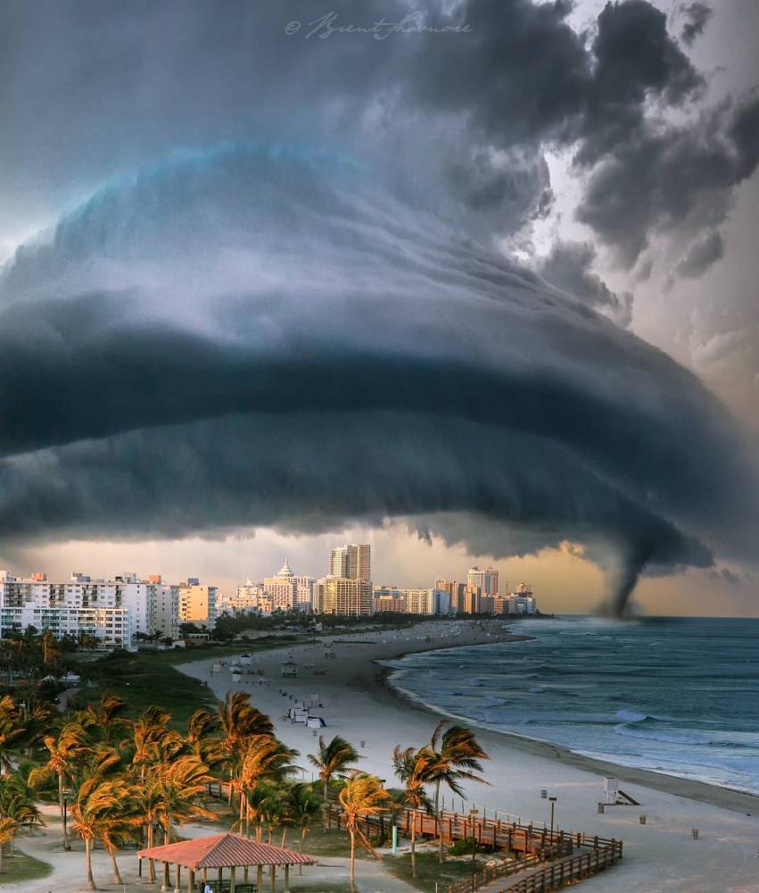 Пляжи из другого мира_ сказочные пейзажи Брента Шавнора (8)