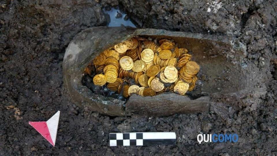 Под итальянским театром найдены золотые монеты 5_го века стоимостью в миллионы евро (2)