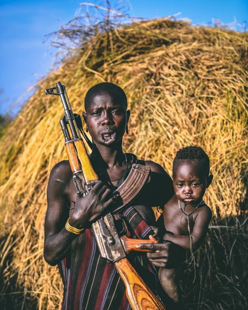 Удивительные фотографии представителей племени хамар (10)