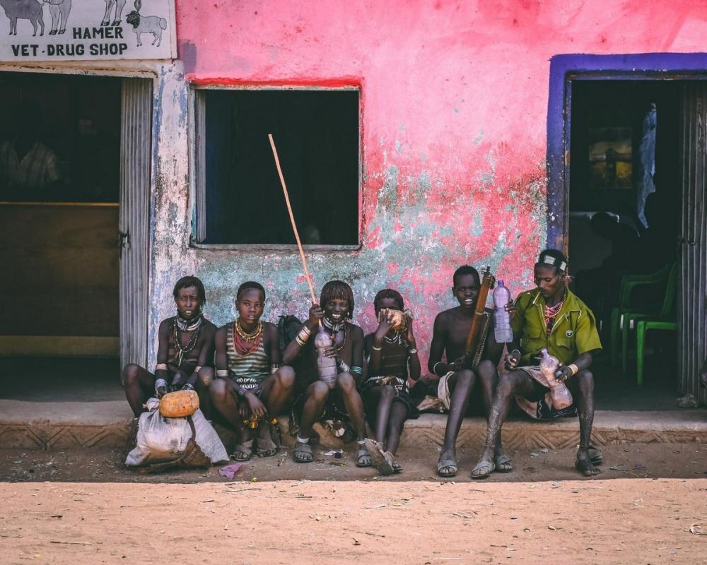 Удивительные фотографии представителей племени хамар (5)