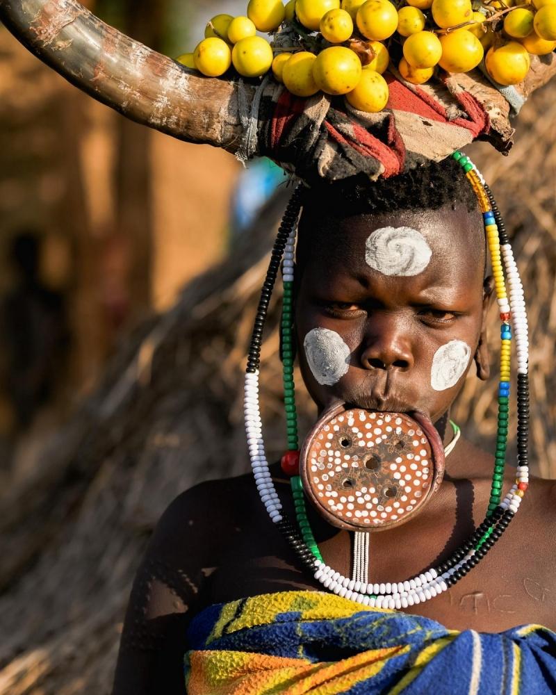 Удивительные фотографии представителей племени хамар (7)