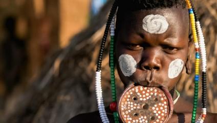 Племя хамар: опасные ритуалы и фотографии о жизни племени