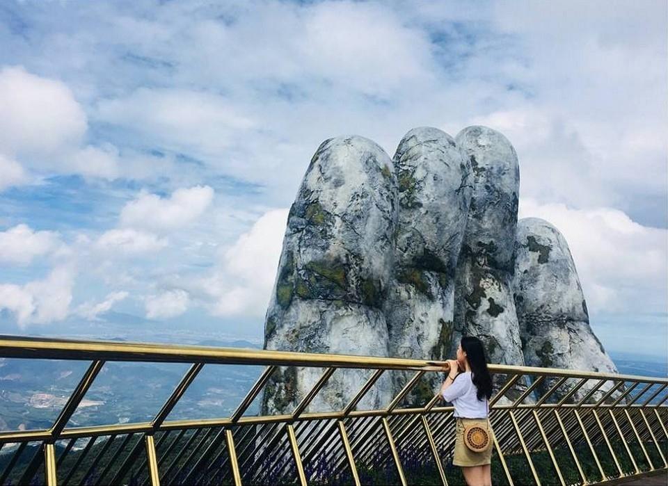 Удивительный мост открыли во Вьетнаме (3)