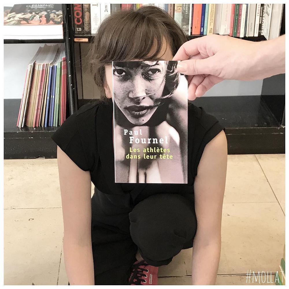 Book_Face_kreativnye_snimki_s_oblozhkami_knig 4