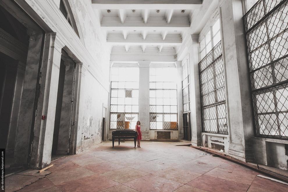 Фотопрогулка по руинам «Золотого колоса» — главного ресторана ВВЦ (7)