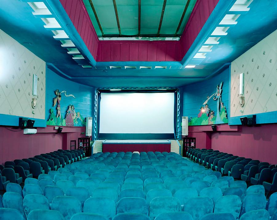 Кинотеатры мира в фотопроекте Стефана Заубицера_ «В этих залах есть ощущение тайны» 15