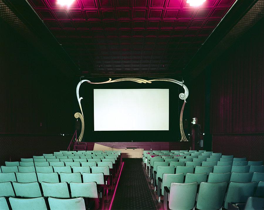 Кинотеатры мира в фотопроекте Стефана Заубицера_ «В этих залах есть ощущение тайны» 3