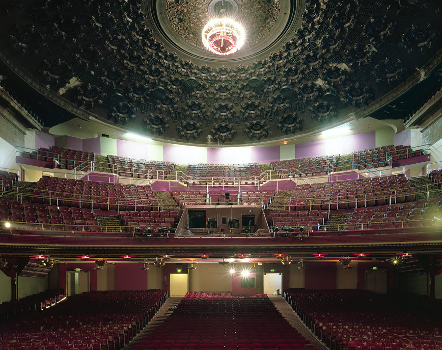Кинотеатры мира в фотопроекте Стефана Заубицера_ «В этих залах есть ощущение тайны» 7